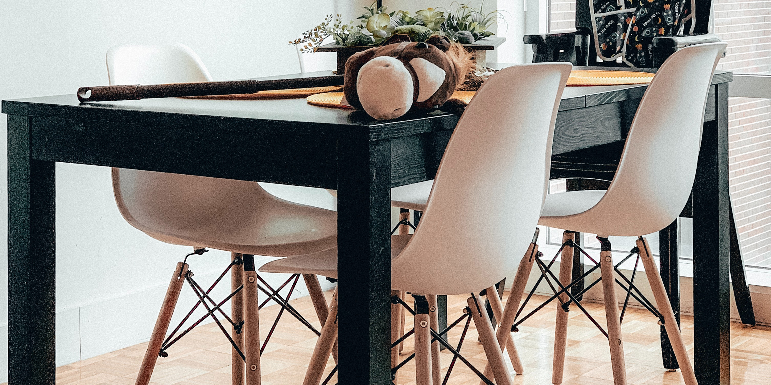Eames DSW Chairs in a Dining Room