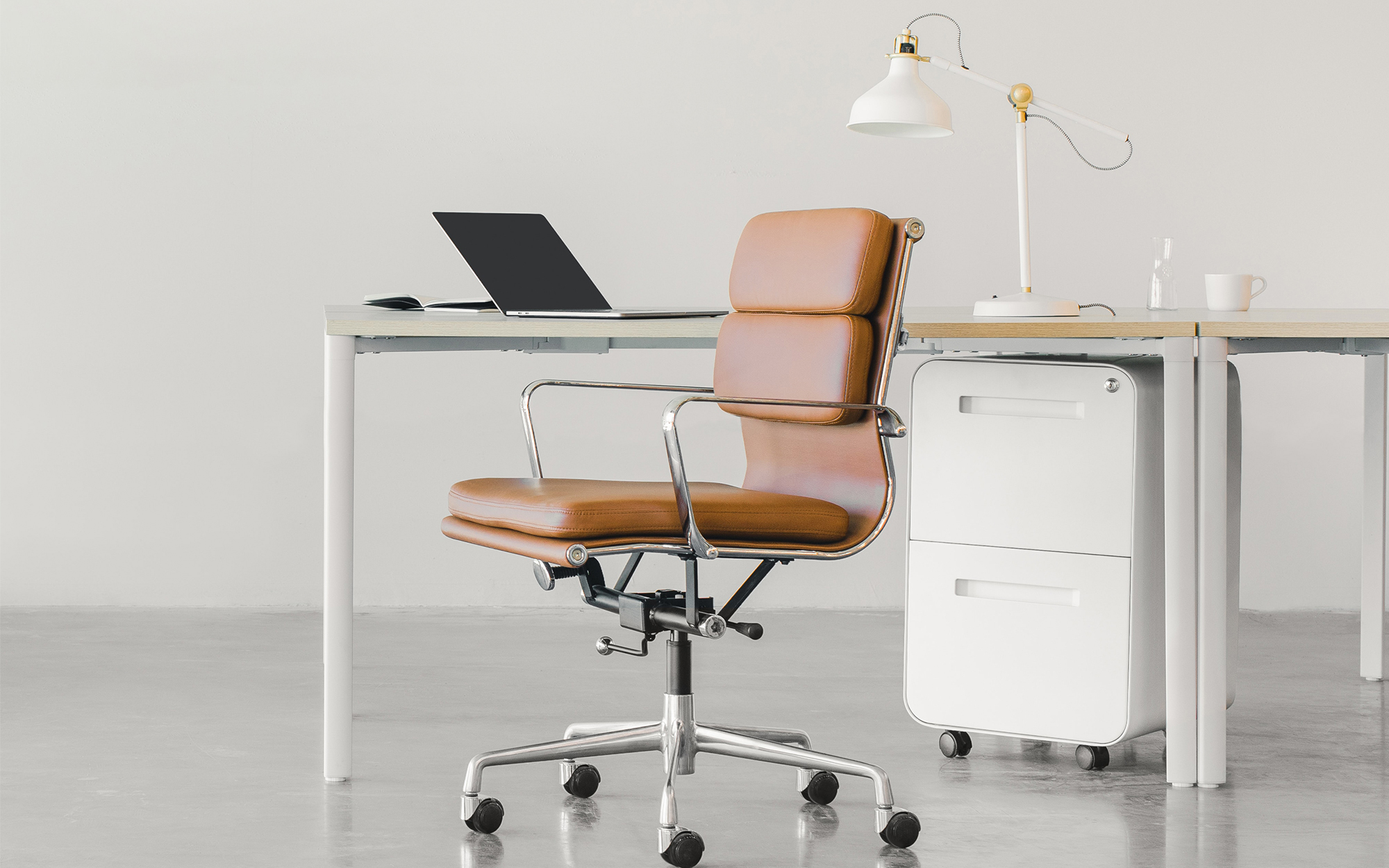 Eames EA217 In A Bland Office Space