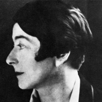 Eileen Gray photo